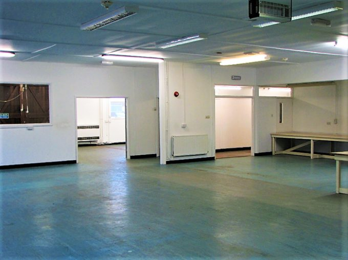 3300sqf waiting to be transformed…lab or office? We offer adaptable workspaces